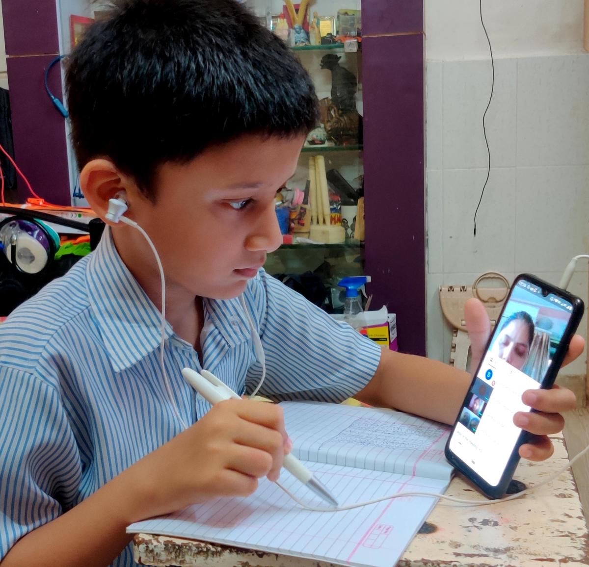 Schools get CM's nod to begin online classes