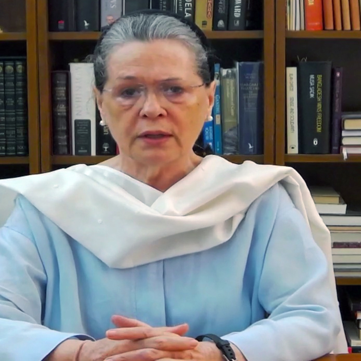 Sonia Gandhi couches her concerns in unity call