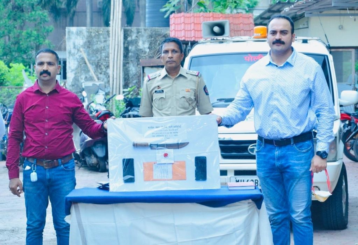 Panvel City Police arrest four persons and take one minor in custody for robbery on highway in JNPT area