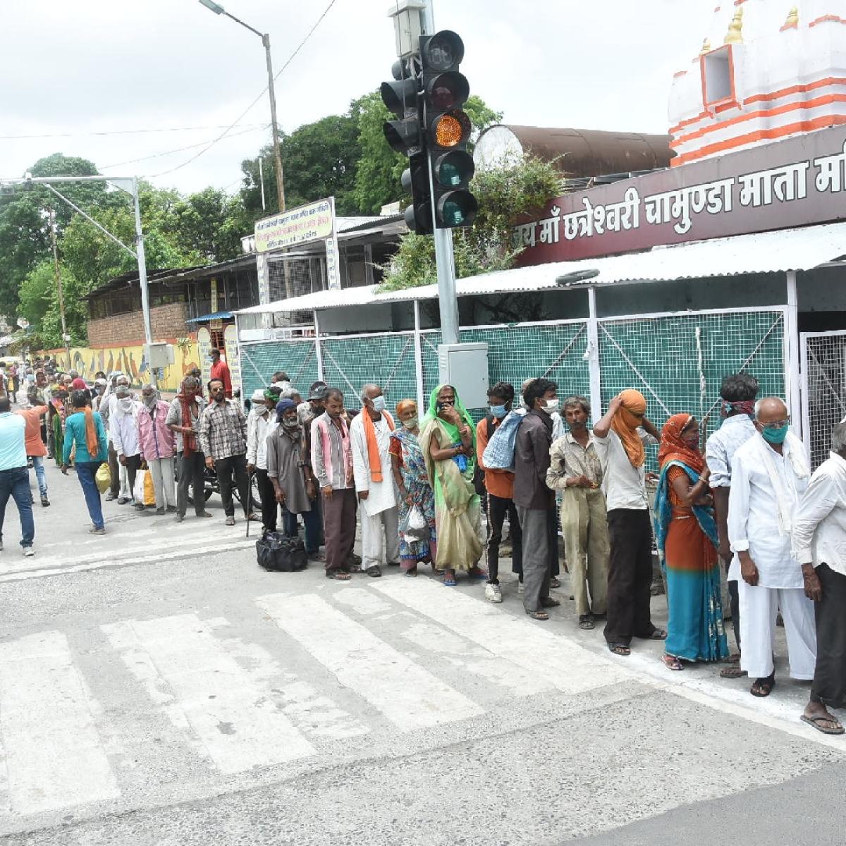 Mulund corporator demands free food packets for Indira Nagar slum dwellers