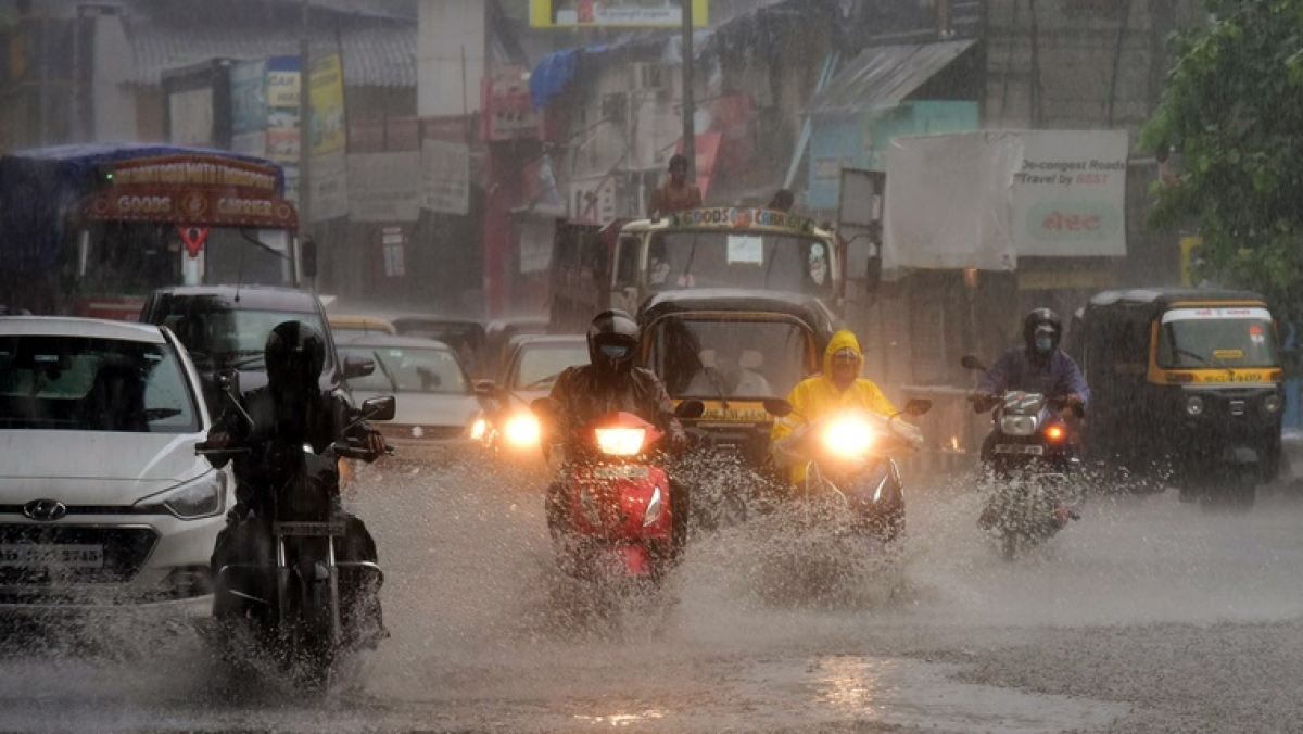Mumbai Weather Update: IMD predicts heavy rainfall for city today