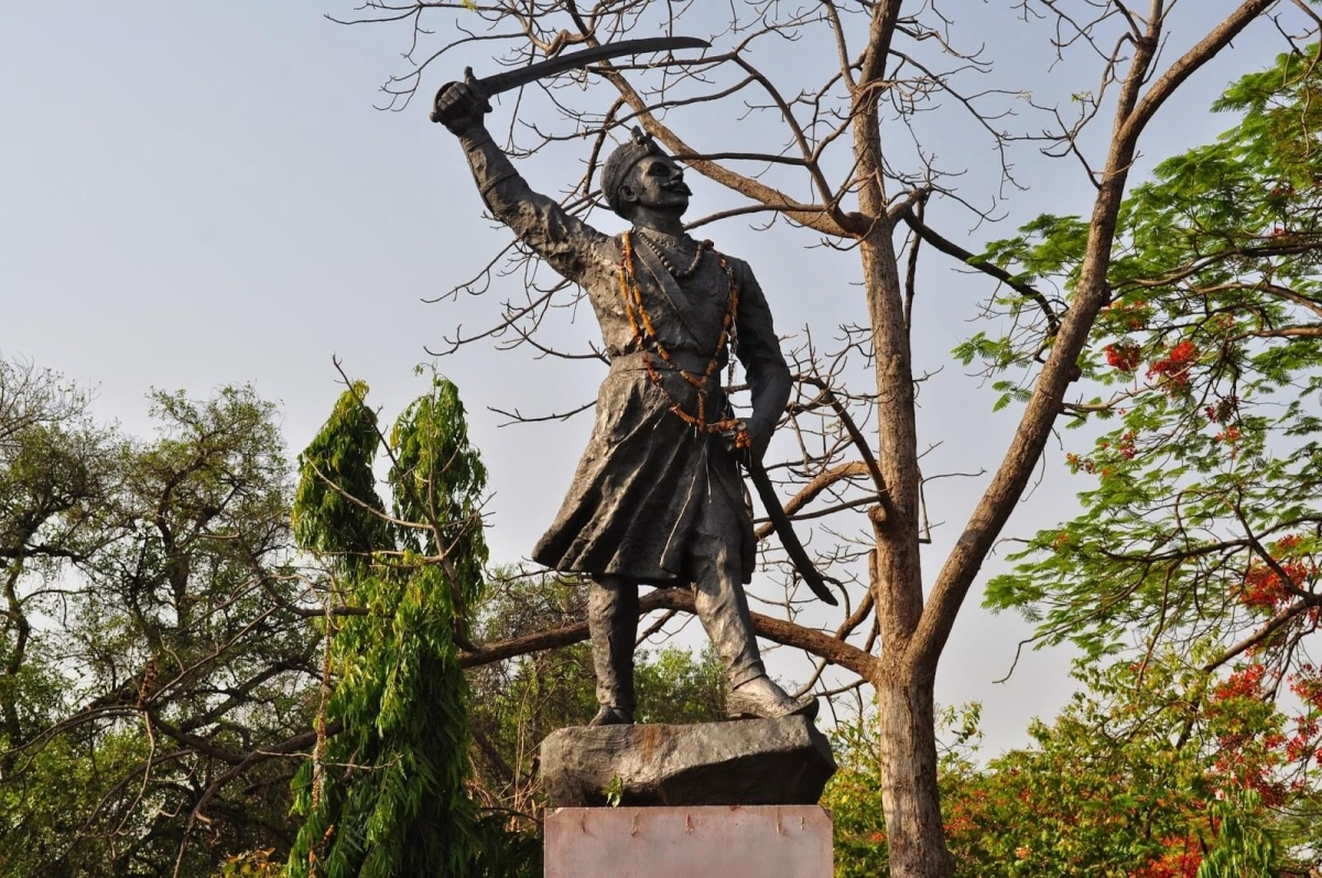 No HC stay on Tatya Tope's statue in Yeola