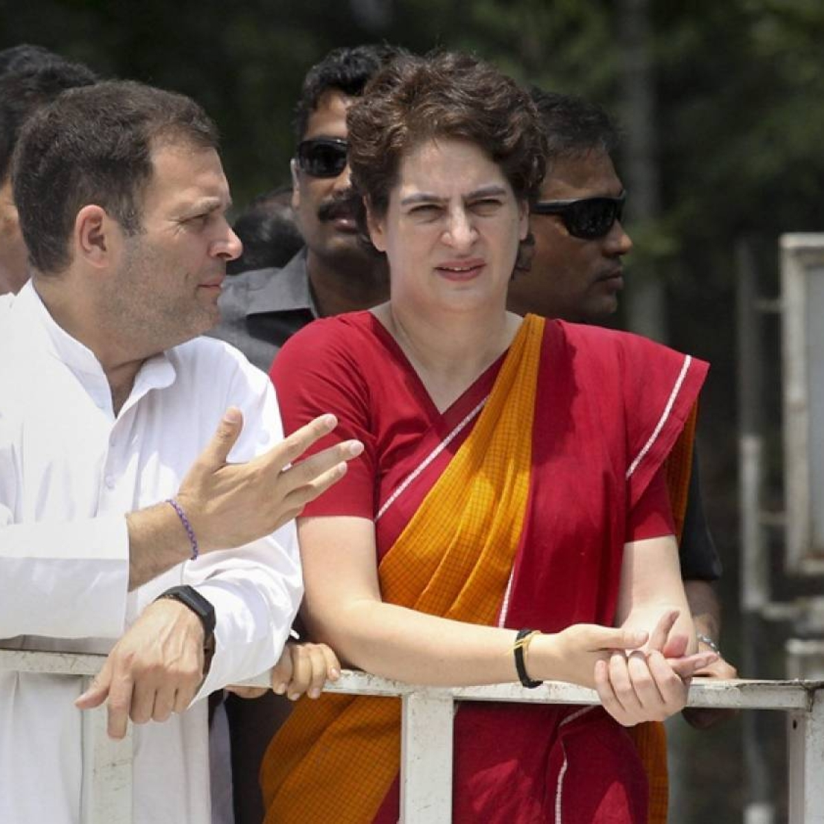 Former PM Manmohan Singh's media advisor calls Rahul, Priyanka 'Bhai-Behen-Cartel (BBC)', asks them to leave Congress