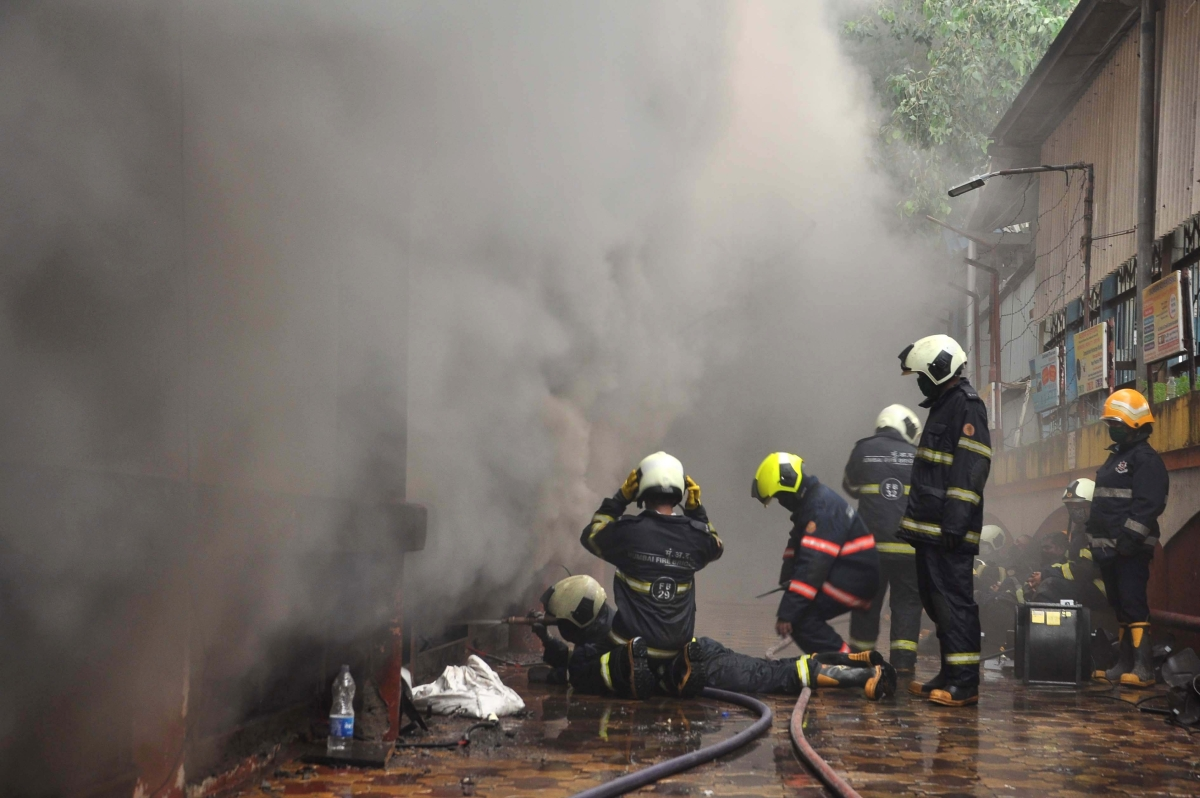 Mumbai: 11-hour op douses fire at Borivali shopping centre