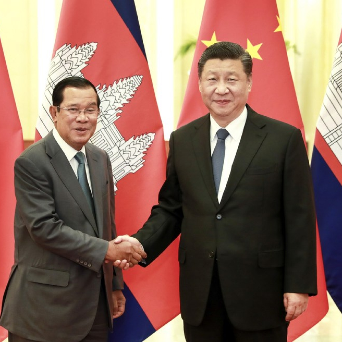 Xi says joint COVID-19 fight shows China-Cambodia community with shared future unbreakable