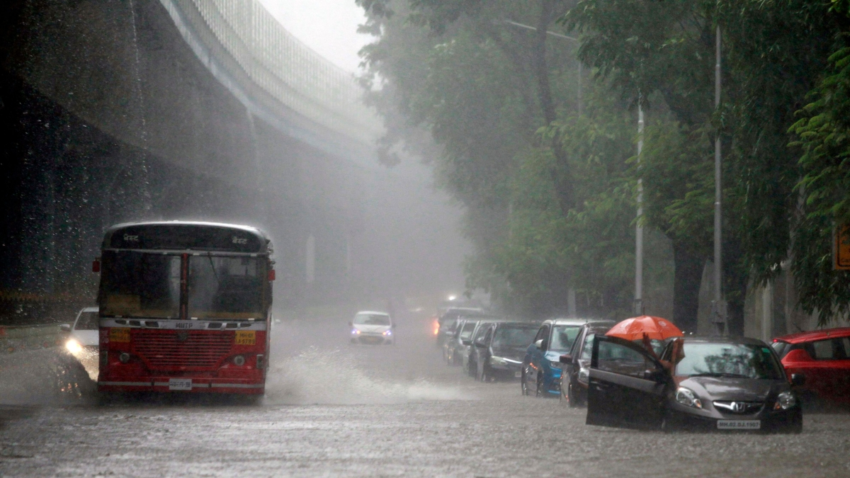 Weather Update: IMD predicts 'heavy to very heavy' rainfall in Mumbai, Thane, Raigad and Palghar districts tomorrow
