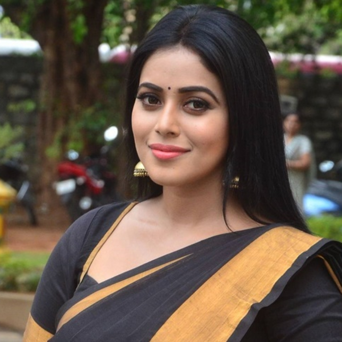 8 men arrested for planning to kidnap South Indian actress Shamna Kasim