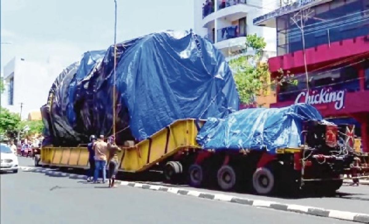 A truck, carrying the aerospace horizontal autoclave for Vikram Sarabhai Space Centre, reached Thiruvananthapuram on Sunday.