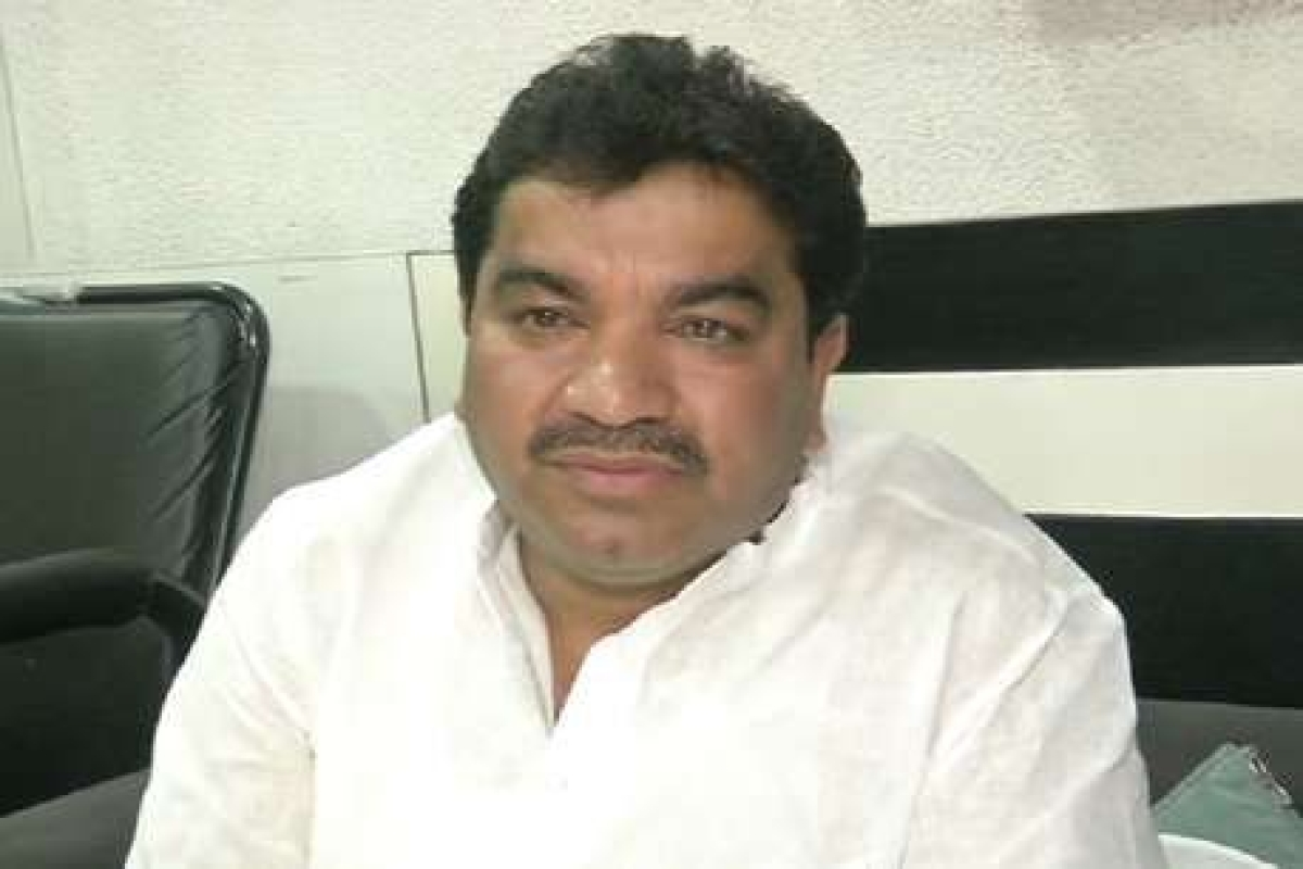 Indore: Collector Manish Singh is personal assistant of BJP leader Gaurav Ranadiwe, mocks Congress MLA Sanjay Shukla