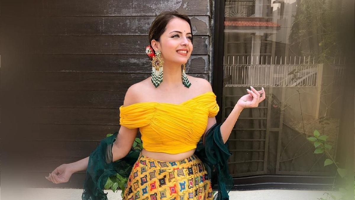 'Ishqbaaaz' actress Shrenu Parikh tests positive for COVID-19; hospitalised
