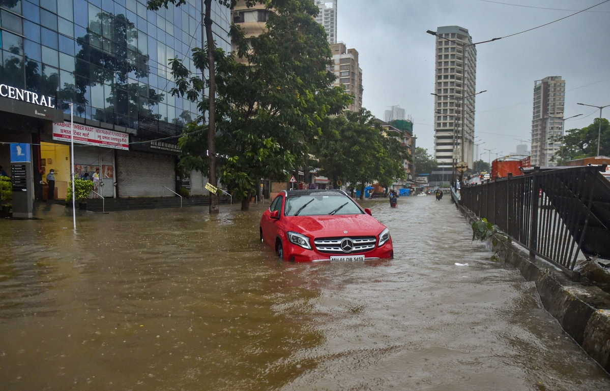 Weather update: Rain lashes Mumbai; water-logging in many parts of the city