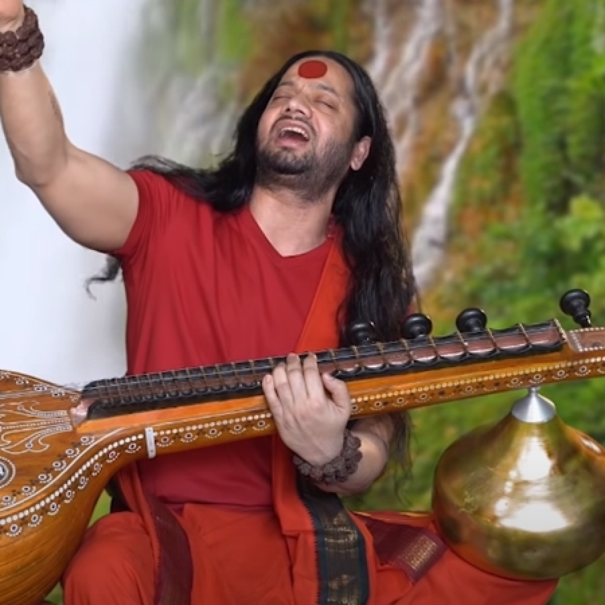 'So elemental and yet so overpowering': Twitter in awe of Kaalicharan Maharaj's 'Shiv Tandav Stotram' rendition