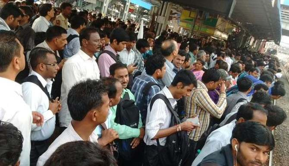 Coronavirus in Mumbai: Staggered office hours is the way forward, feel experts and office-goers