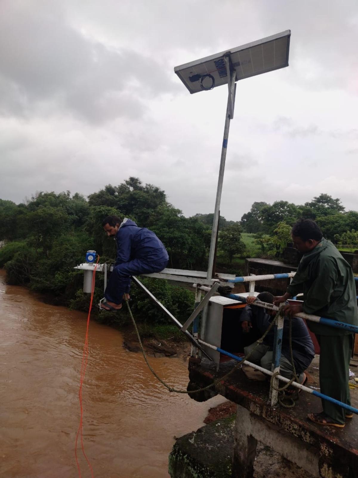 SWR installs water level monitoring system on Malaprabha & Krishna River bridges