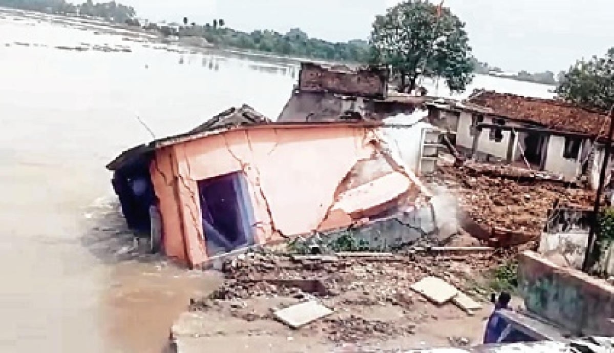 1 million hit by Bihar floods; breach in embankments in 2 districts