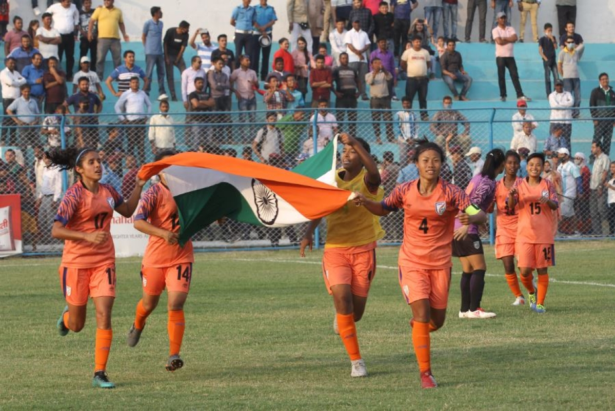 Women footballers get Chhetri pep talk
