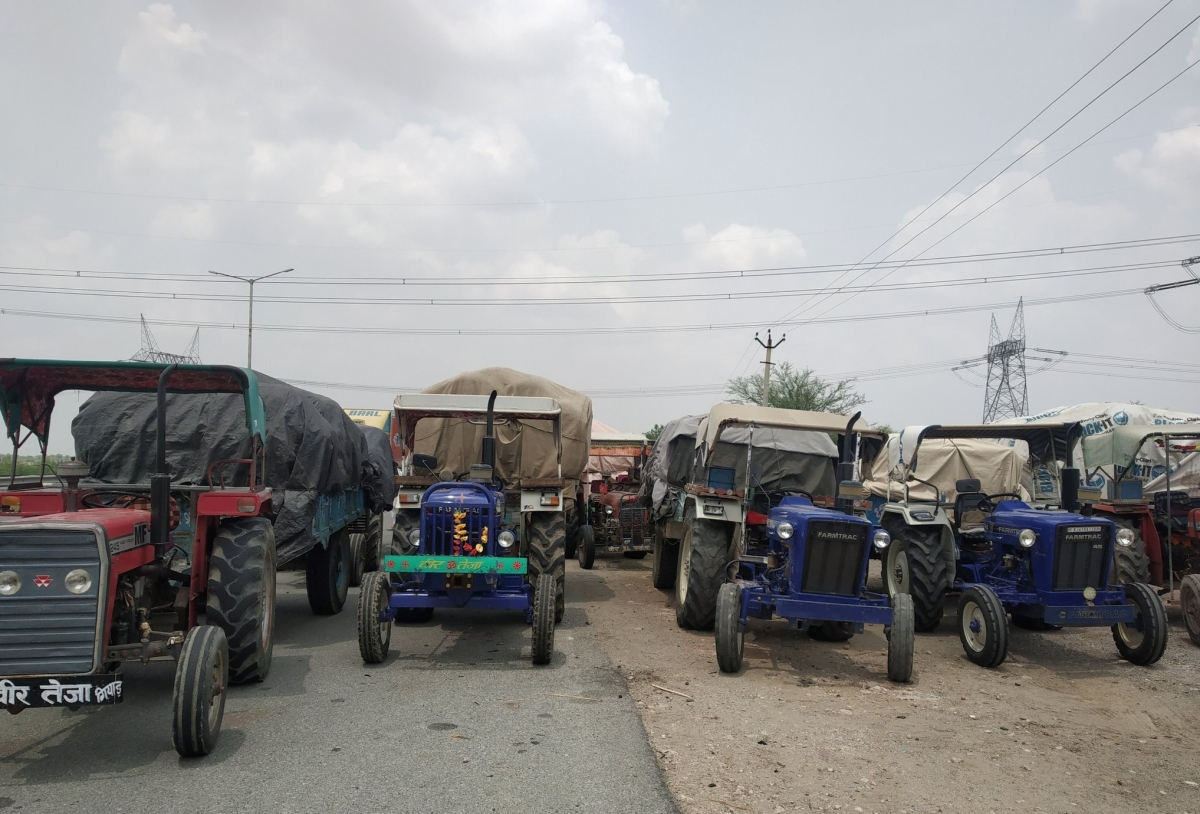 Tractors lined up along the highway at Mahla where farmers are staging a padaav.