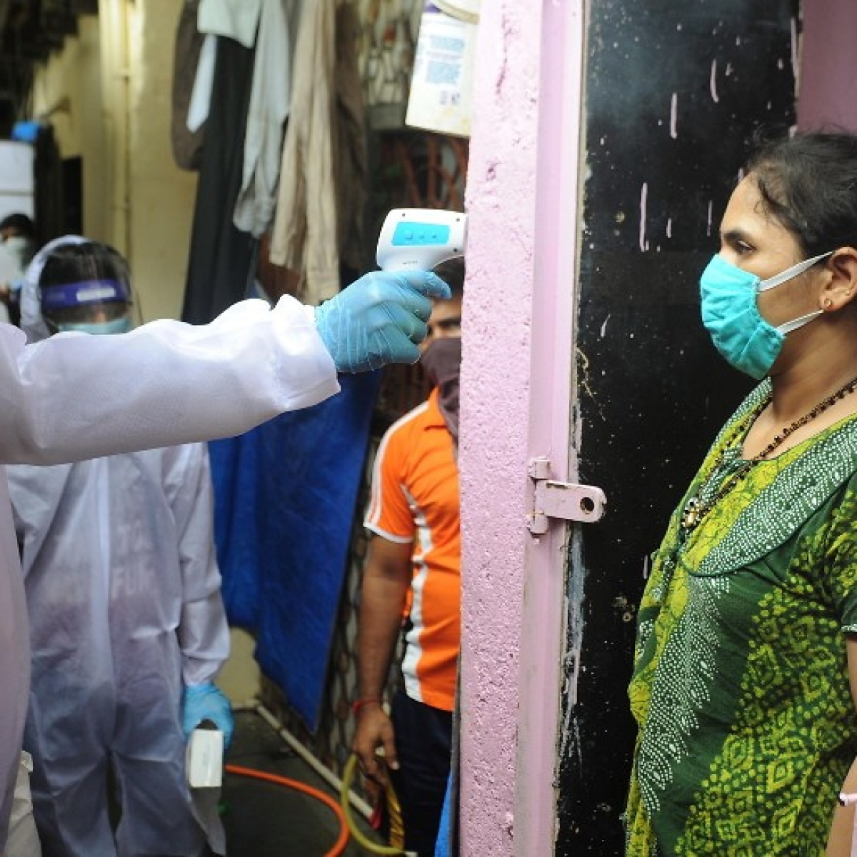 Mumbai records less than 1000 new COVID-19 cases on Tuesday, tally rises to 95,100
