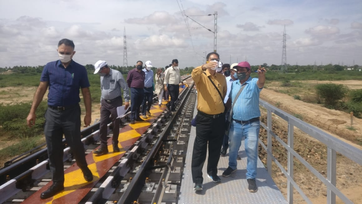 Commissioner of Rly, safety inspects railway electrification works of Mysore division of SWR