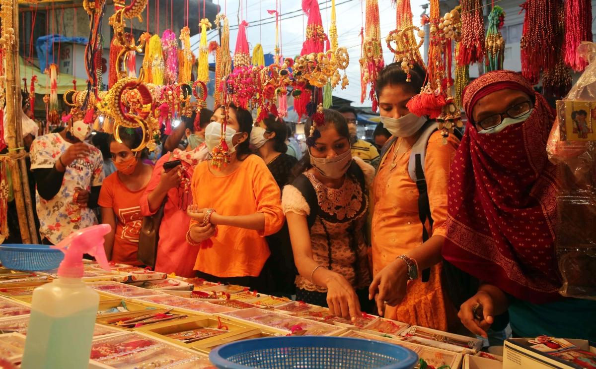 Madhya Pradesh: Ratlam administration relaxes Sunday lockdown for Rakhi shopping