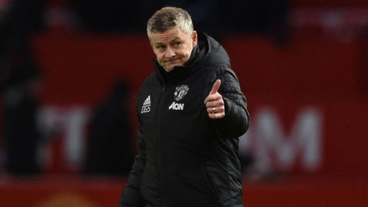 Ole Gunnar Solskjaer praises Chris Smalling as player's loan deal with Roma ends