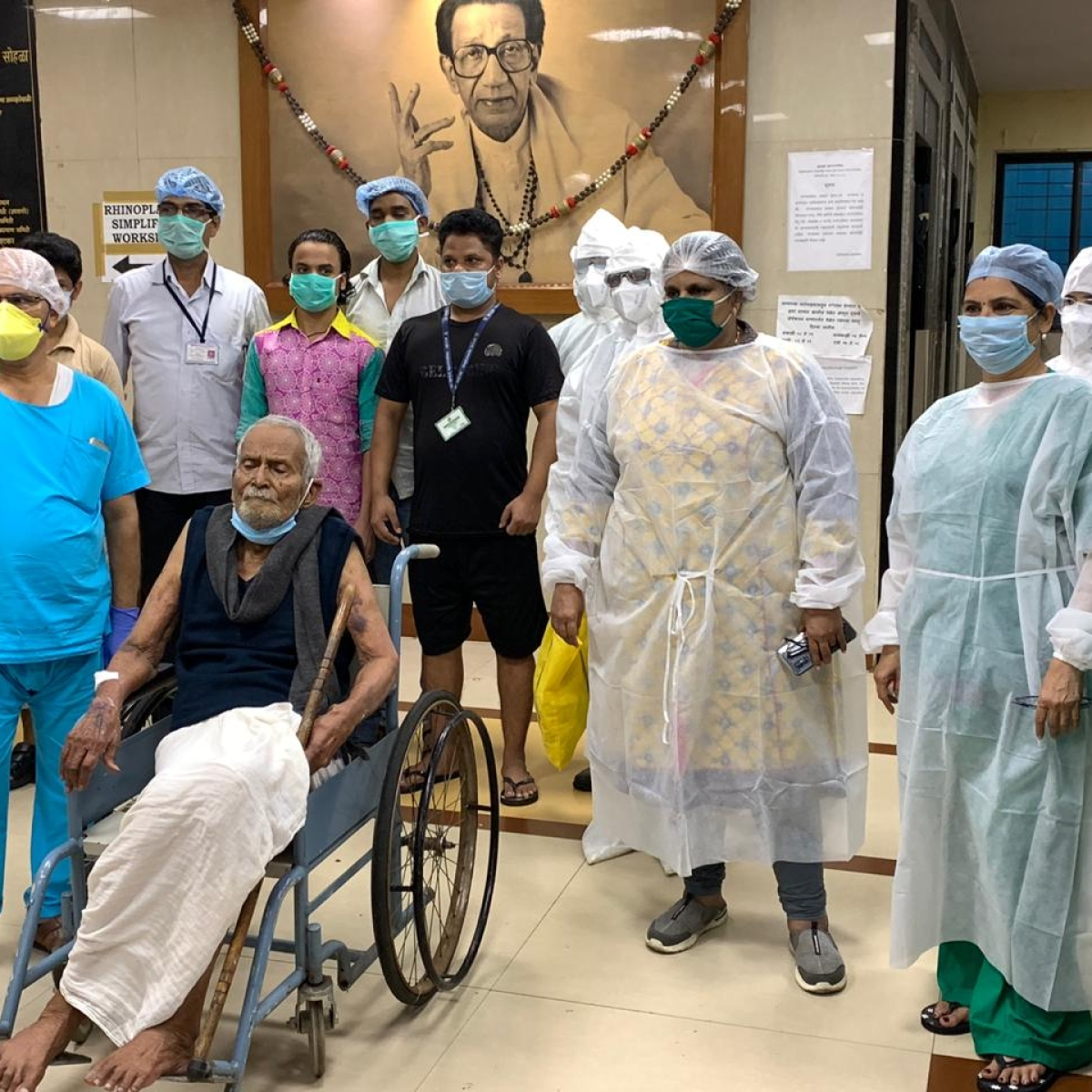 Mumbai hospital celebrates centenary birthday of senior citizen who beat COVID-19