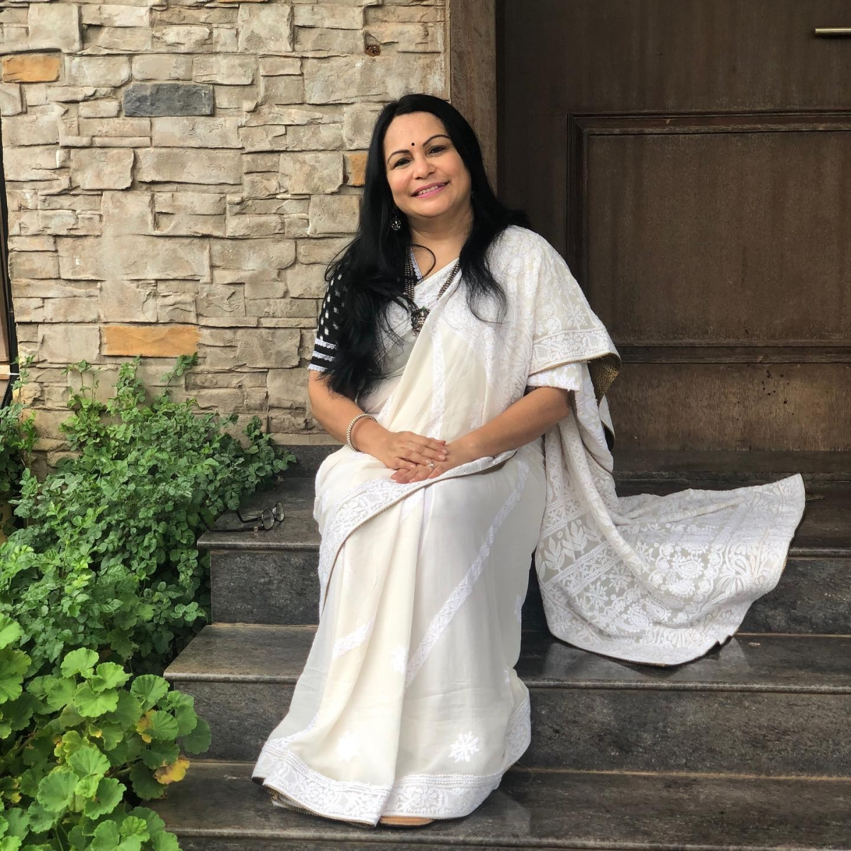 'I make a public commitment that I will be a vegetarian if...': Shefali Vaidya challenges PETA India