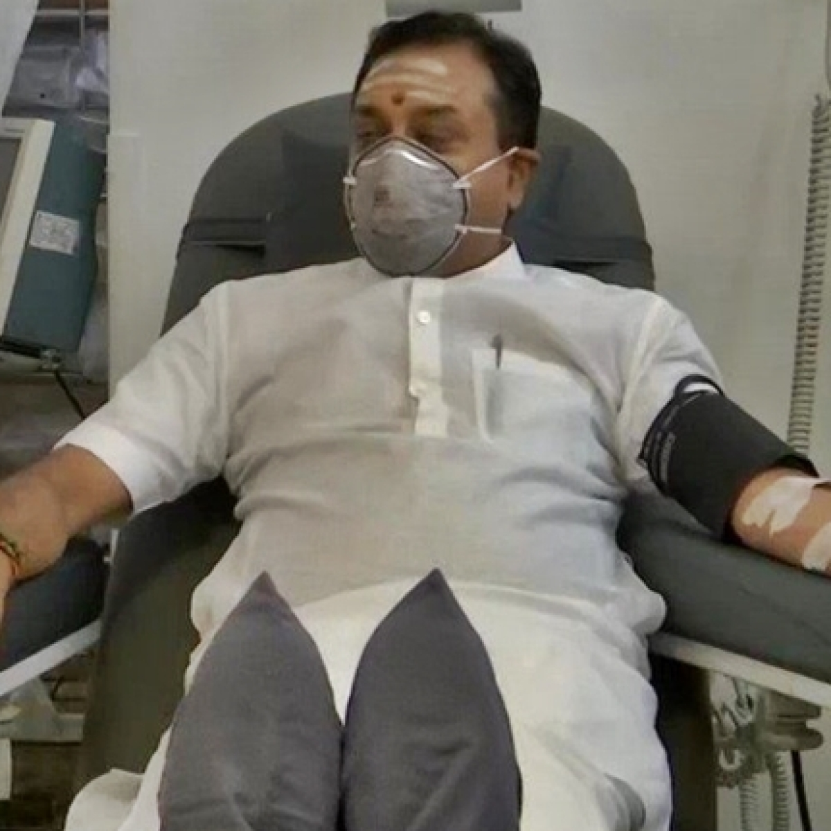BJP leader Sambit Patra donates blood plasma post COVID-19 recovery