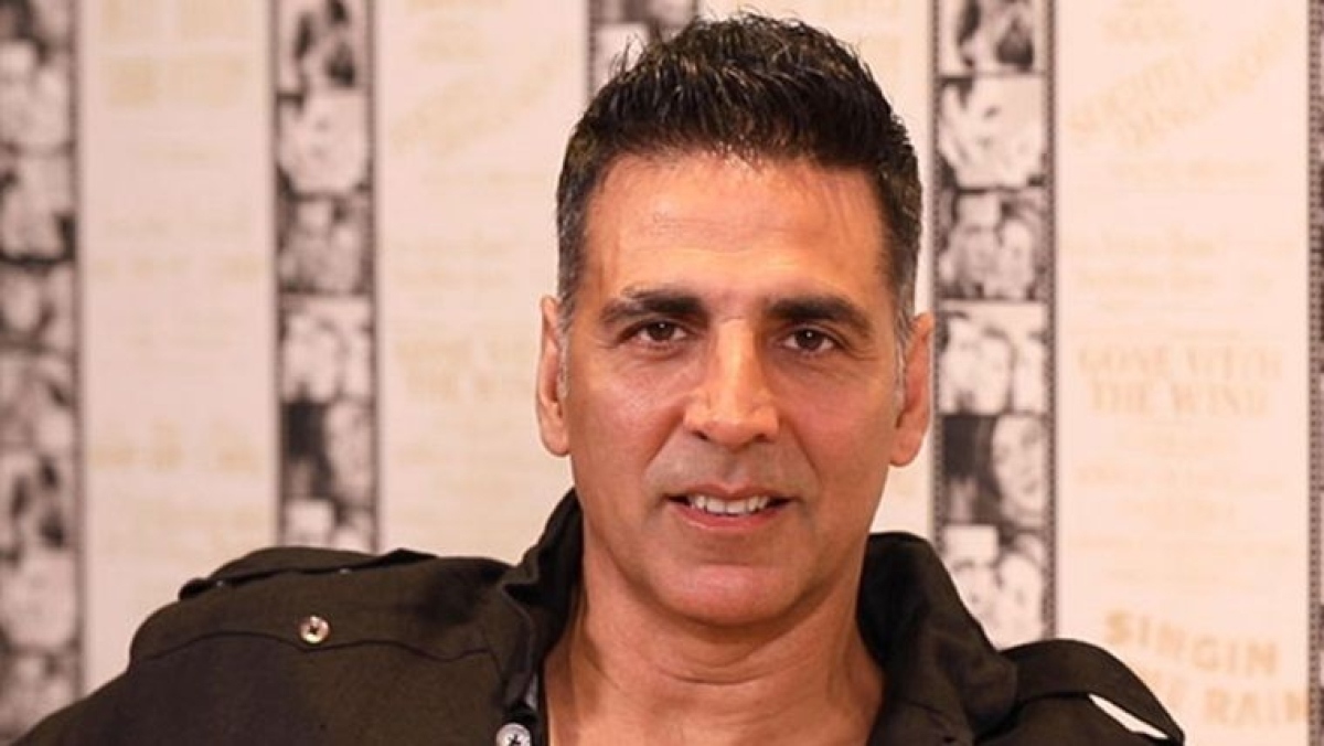 Akshay Kumar's chopper trip sparks controversy, Bhujabal pulls up authorities