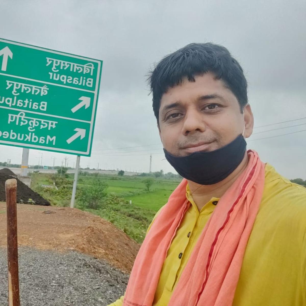 Meet RSS worker Muhammed Faiz Khan who is walking 750 km to attend Ayodhya Ram Mandir foundation