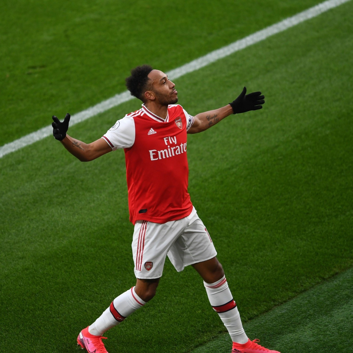 Premier League: Arsenal thrash Norwich City in 4-0 win; Aubameyang overtakes Thierry Henry to become fastest 'gunner' to reach 50 goals