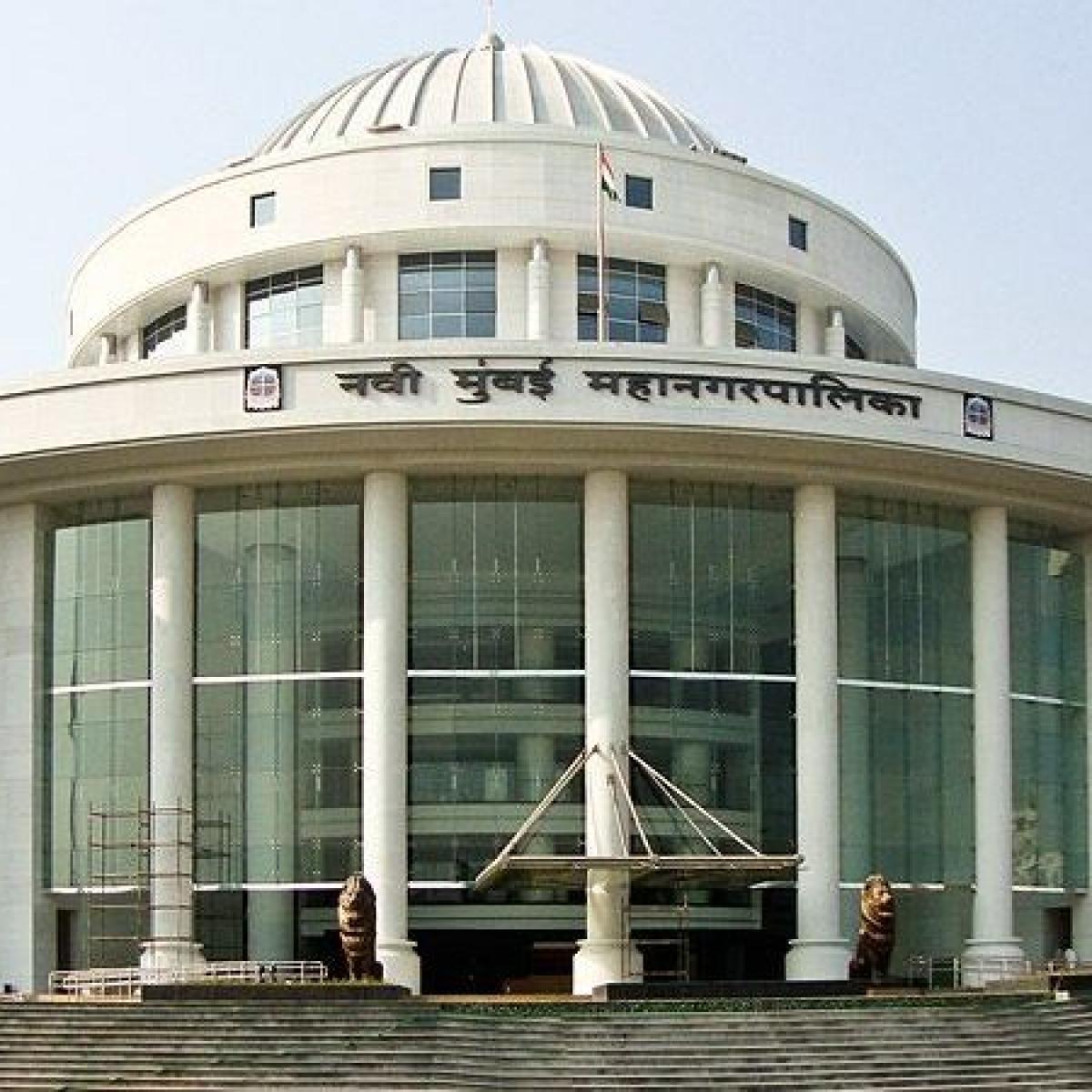 Navi Mumbai: NMMC intensifies drive against banned plastic, seizes 950 kg plastic from APMC