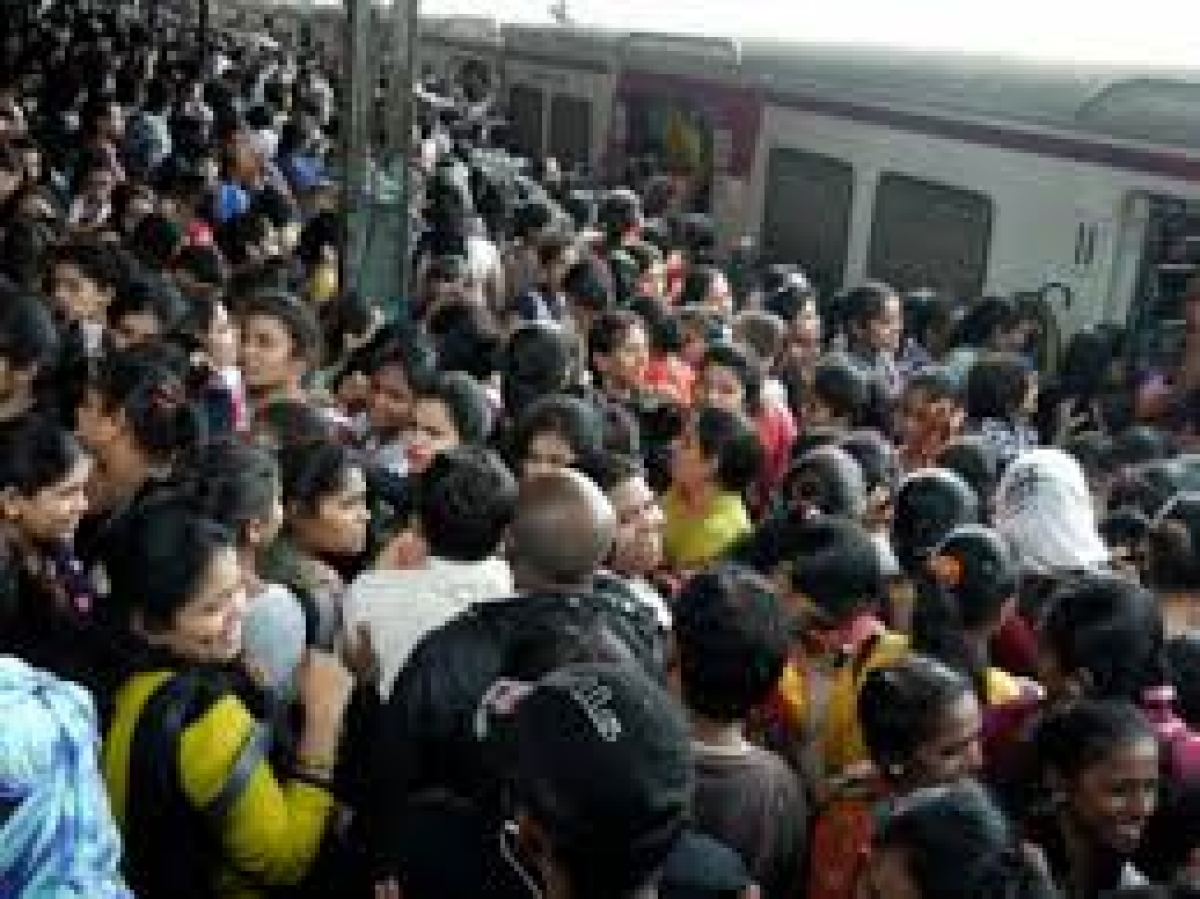 Change to Mumbai reboot: Passenger unions urge govt to stagger work hours