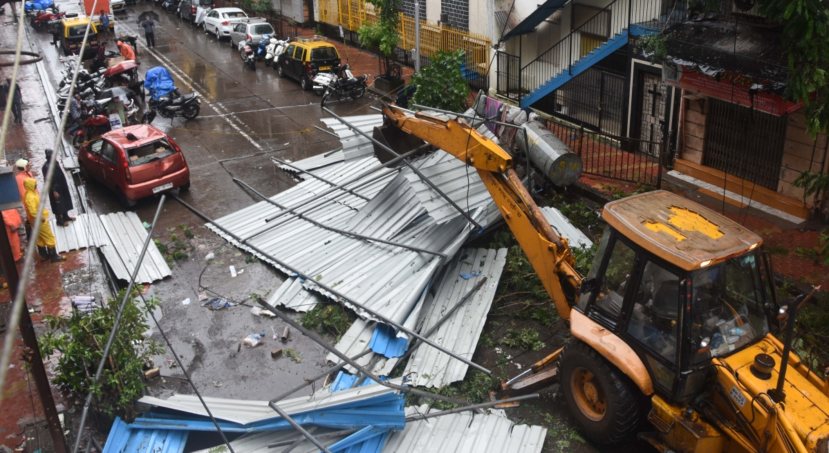 Rains batter Thane, cripple daily life; TMC appeals people to stay indoors