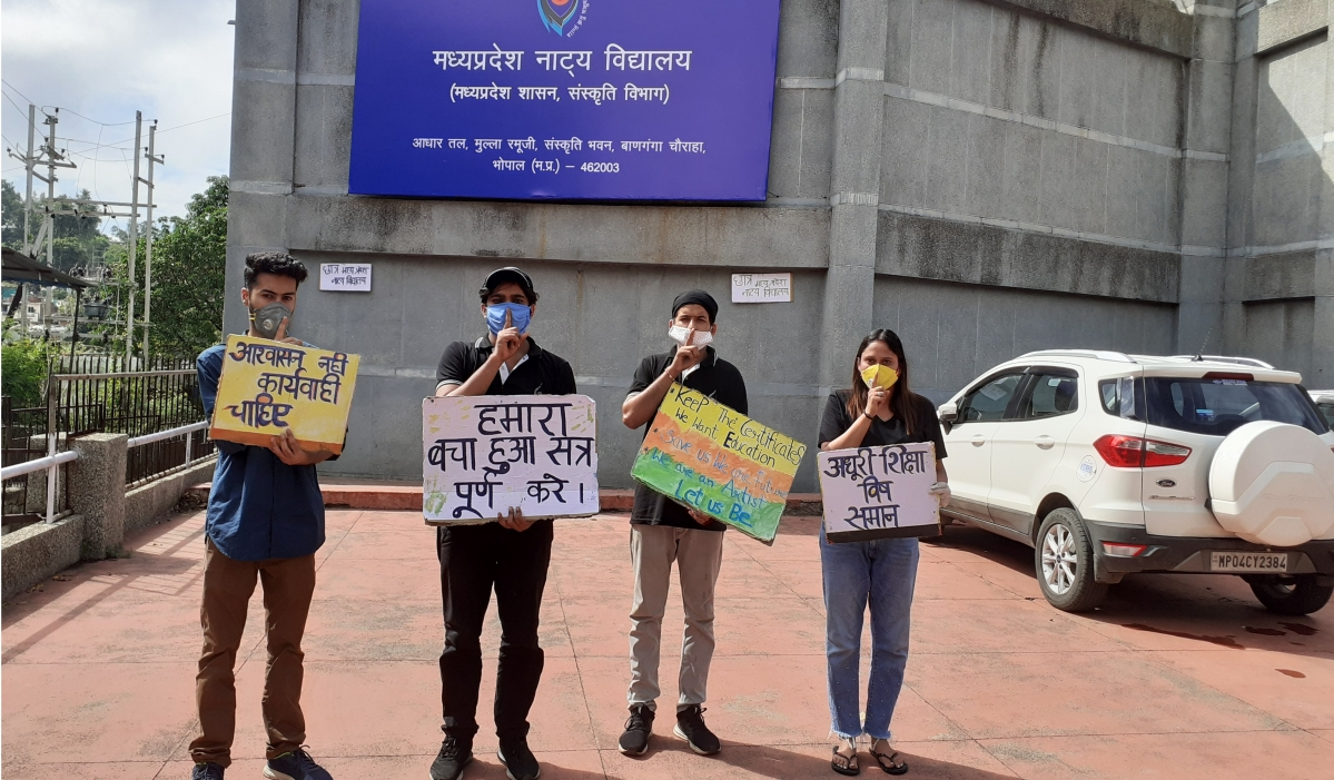 Students of MPSD staged silent protest and demanded compensation of cancelled classes in corona pandemic.