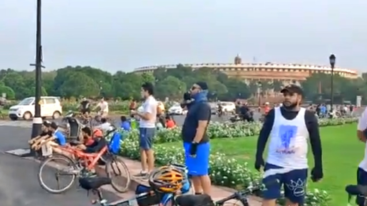 This is so scary! Twitter in shock as thousands gather in Delhi for morning jog, cycling