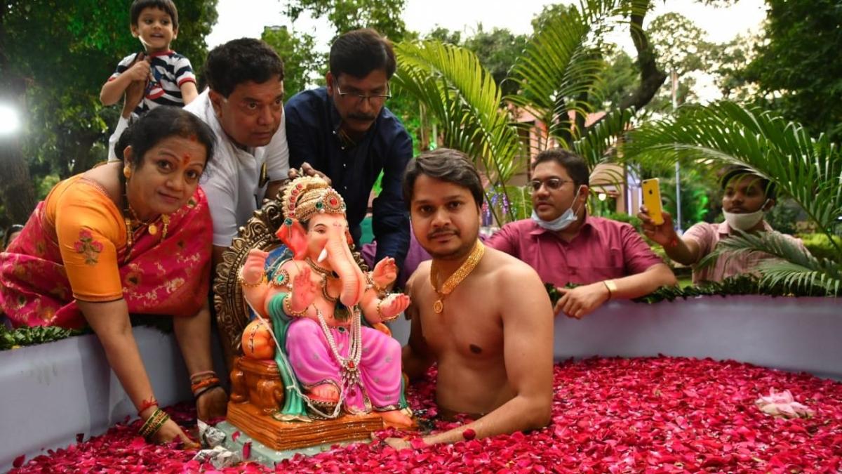FPJ Eco Ganesha: Mumbai Mayor Kishori Pednekar bids adieu to Lord Ganesha