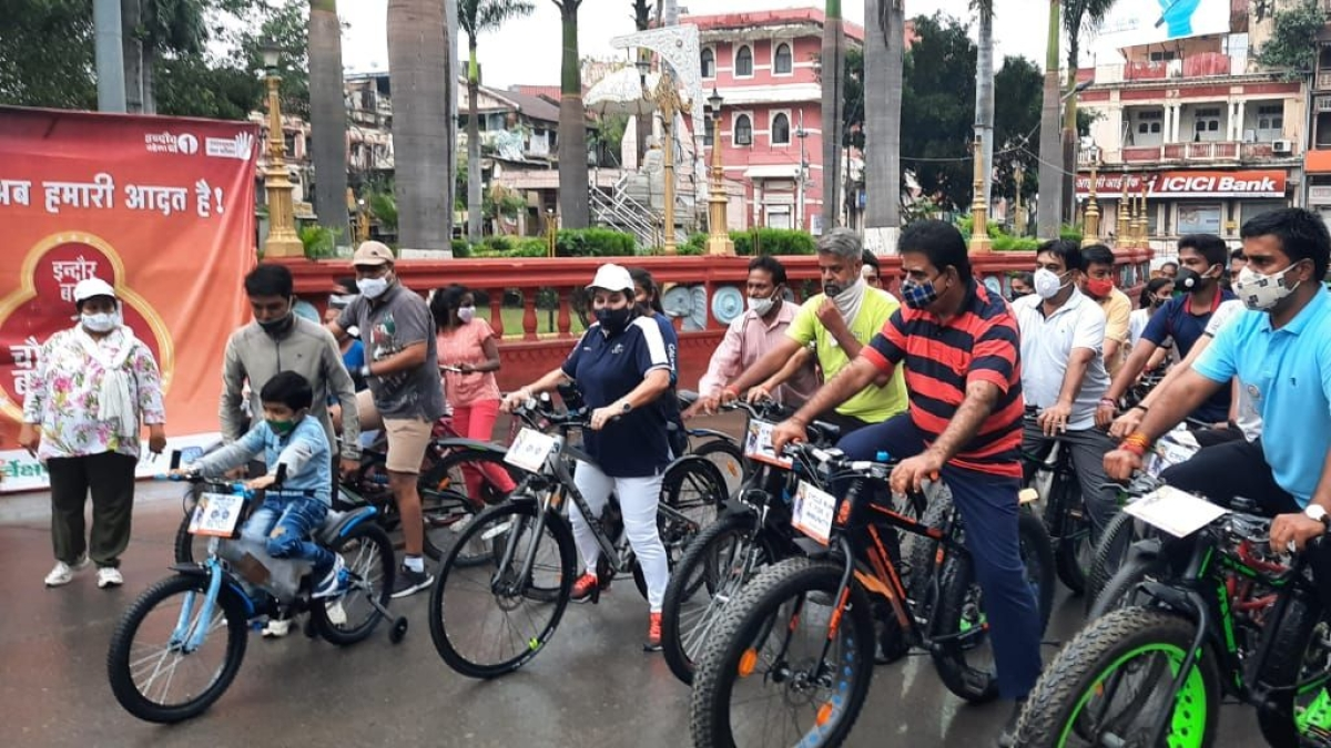 #FitIndia: Indore MP Shankar Lalwani pedals with residents, demands cycle tracks in the city