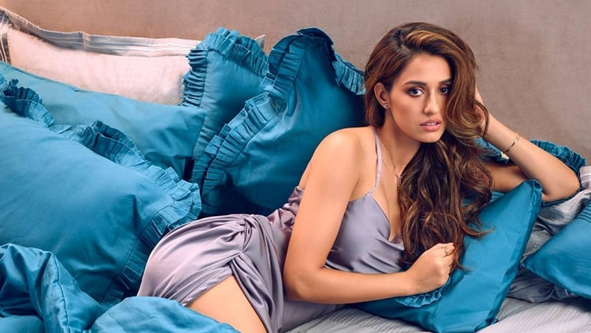 Disha Patani treats fans with sizzling BTS picture from 'Malang'