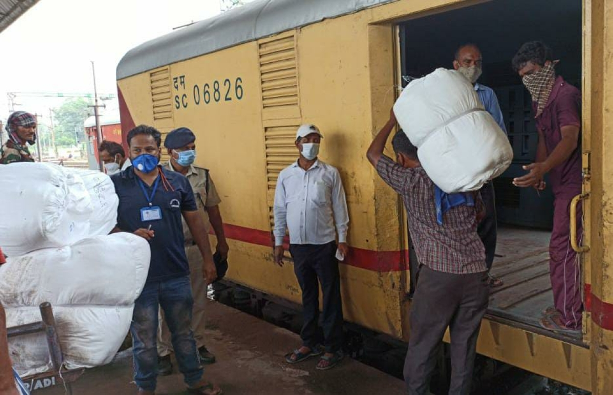 WR transports 1L tonnes of essentials through its 475 parcel spl trains despite lockdown
