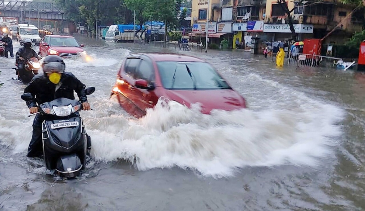 Weather update: Heavy rains to hit parts of Mumbai, Thane, Raigad, Pune and Ratnagiri in next 24 hours