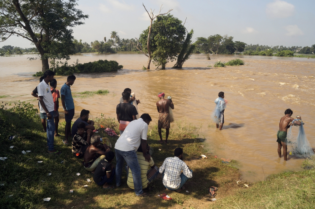 Flood water of Mahanadi submerges several villages in Odisha