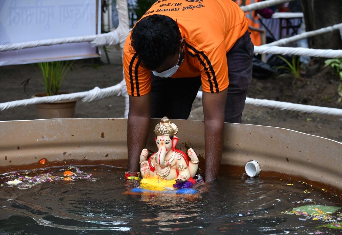 Ganeshotsav 2020: Mumbai quietly bids Bappa goodbye, records lowest decibel levels on Sunday