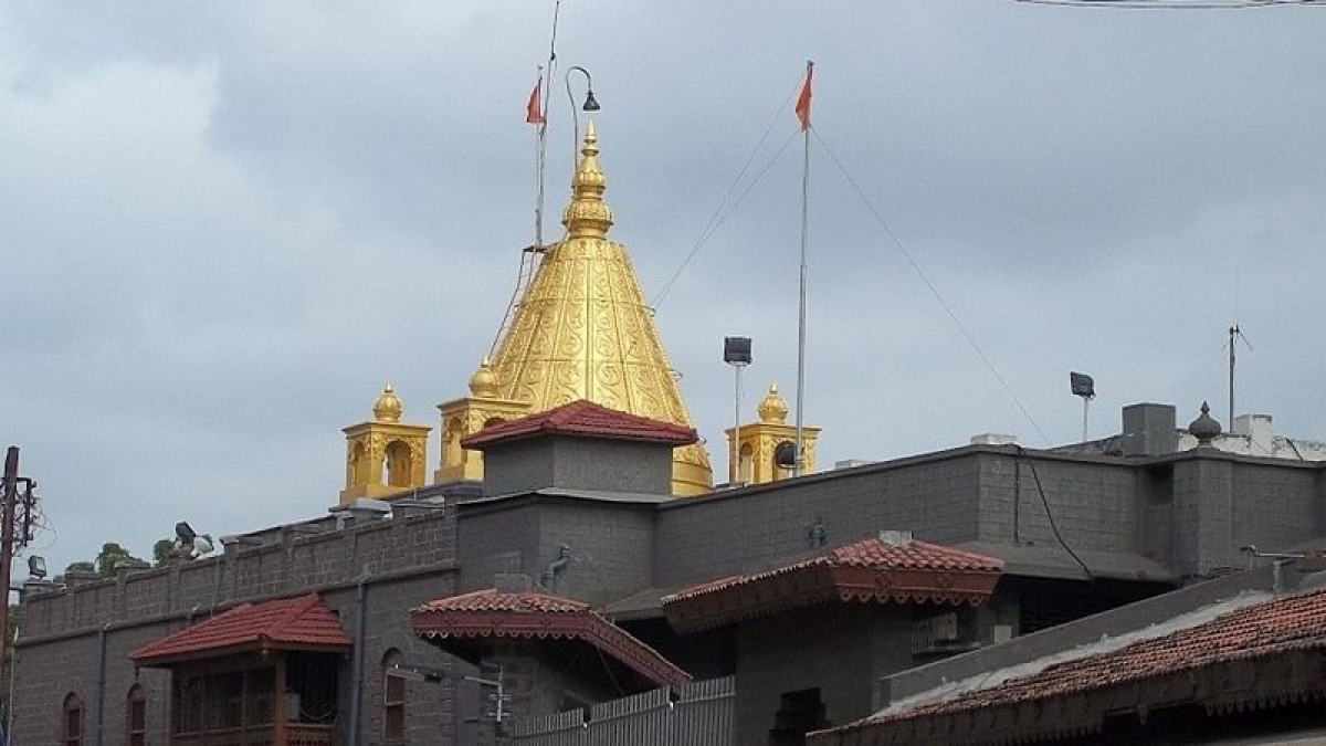 Pressure mounts on Maharashtra govt to reopen temples