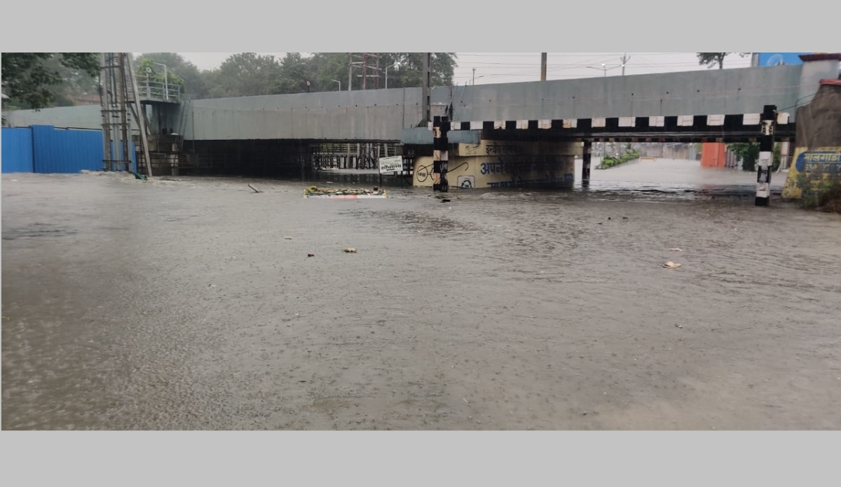 Juni Indore underpass near railway station and Sarwate bus stand.