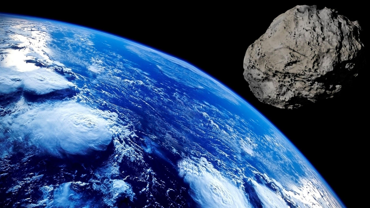 Tiny asteroid buzzes by Earth - the closest flyby on record