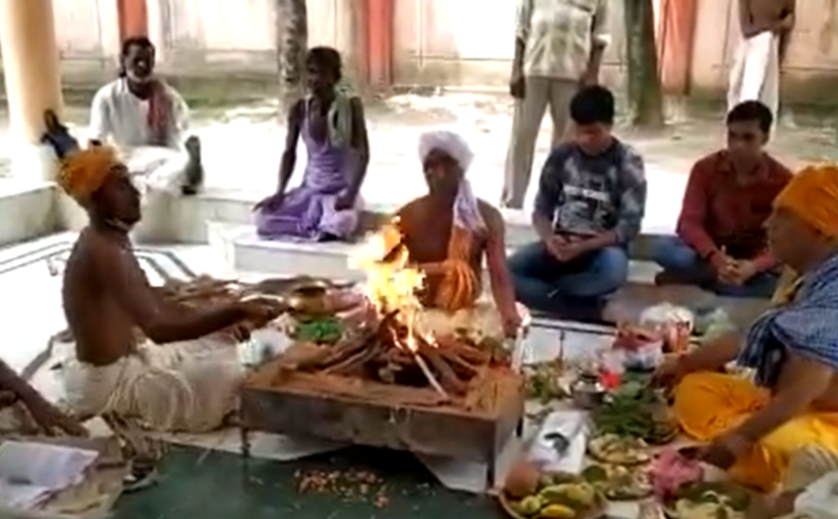 Watch: Prayers performed for former President Pranab Mukherjee's recovery as his health remains critical