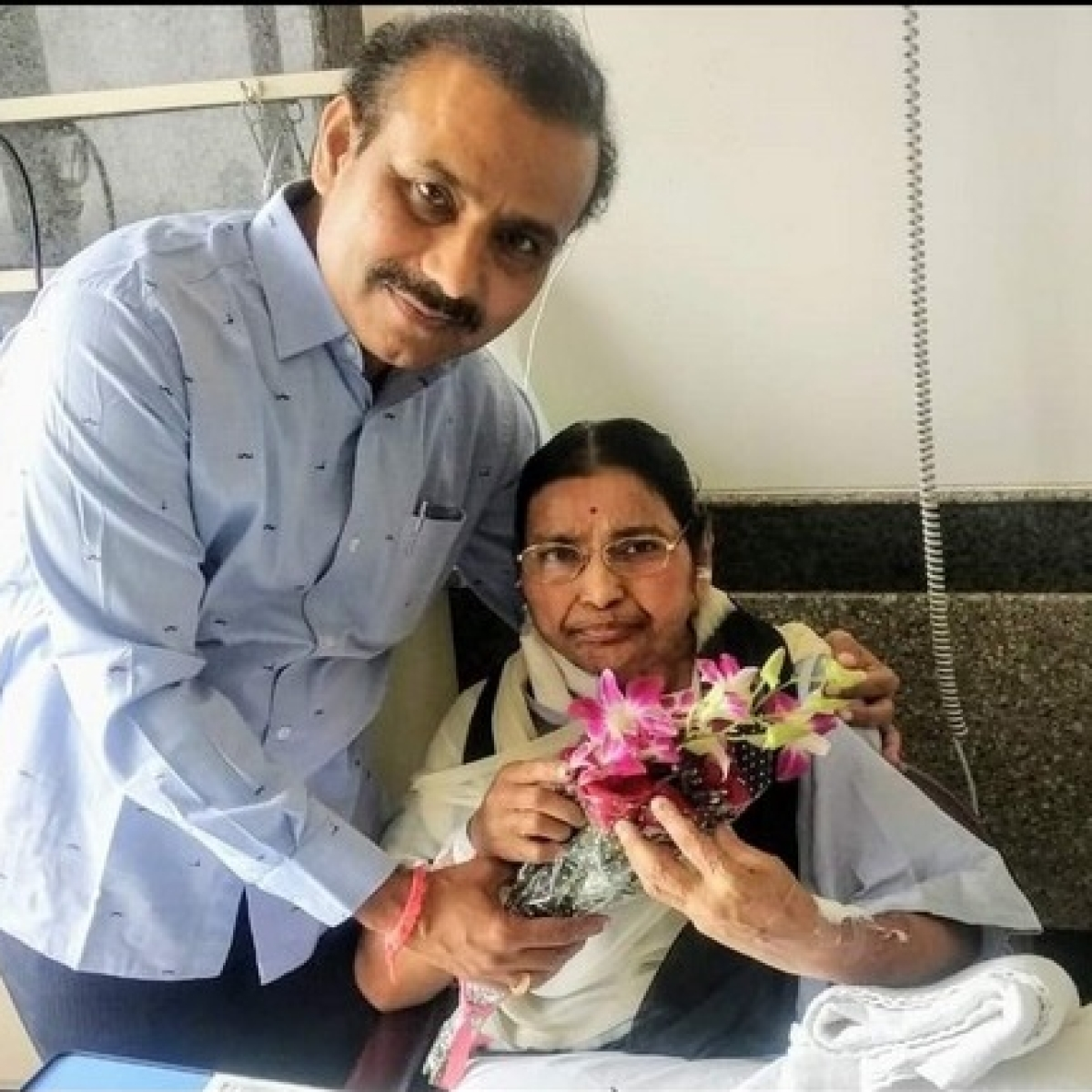 Maharashtra Health Minister Rajesh Tope's mother passes away