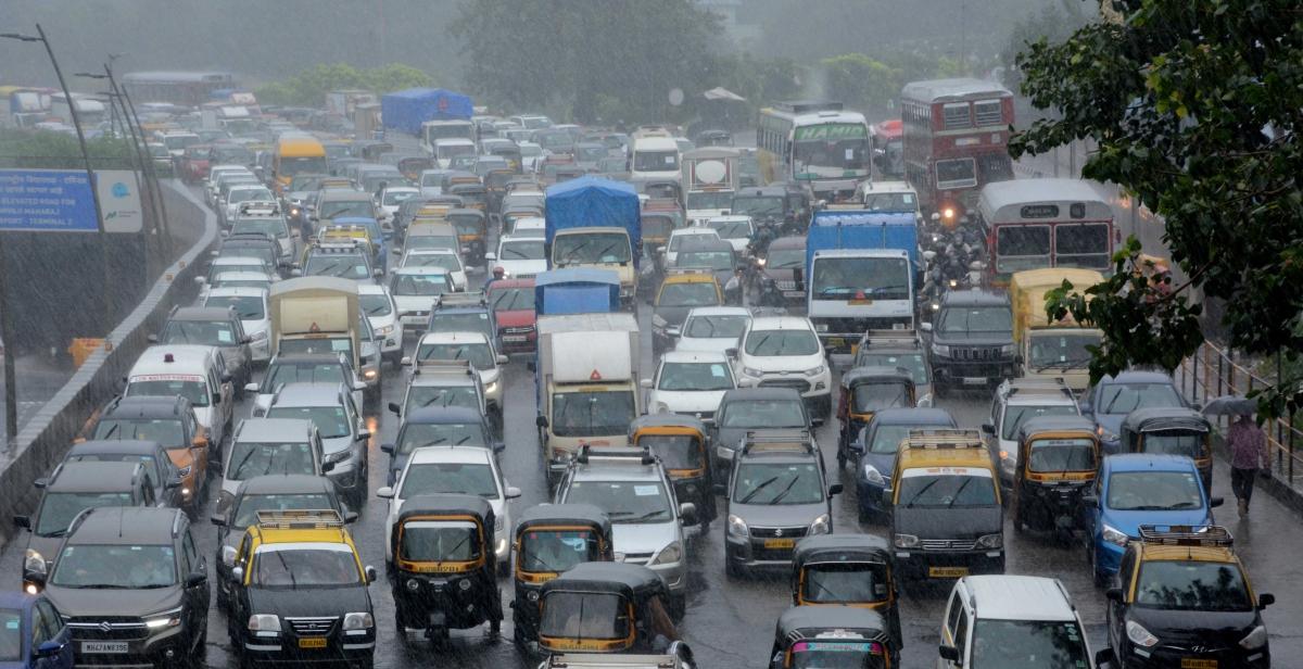 Mumbai Weather Update: Get ready to greet Bappa amid heavy rains today