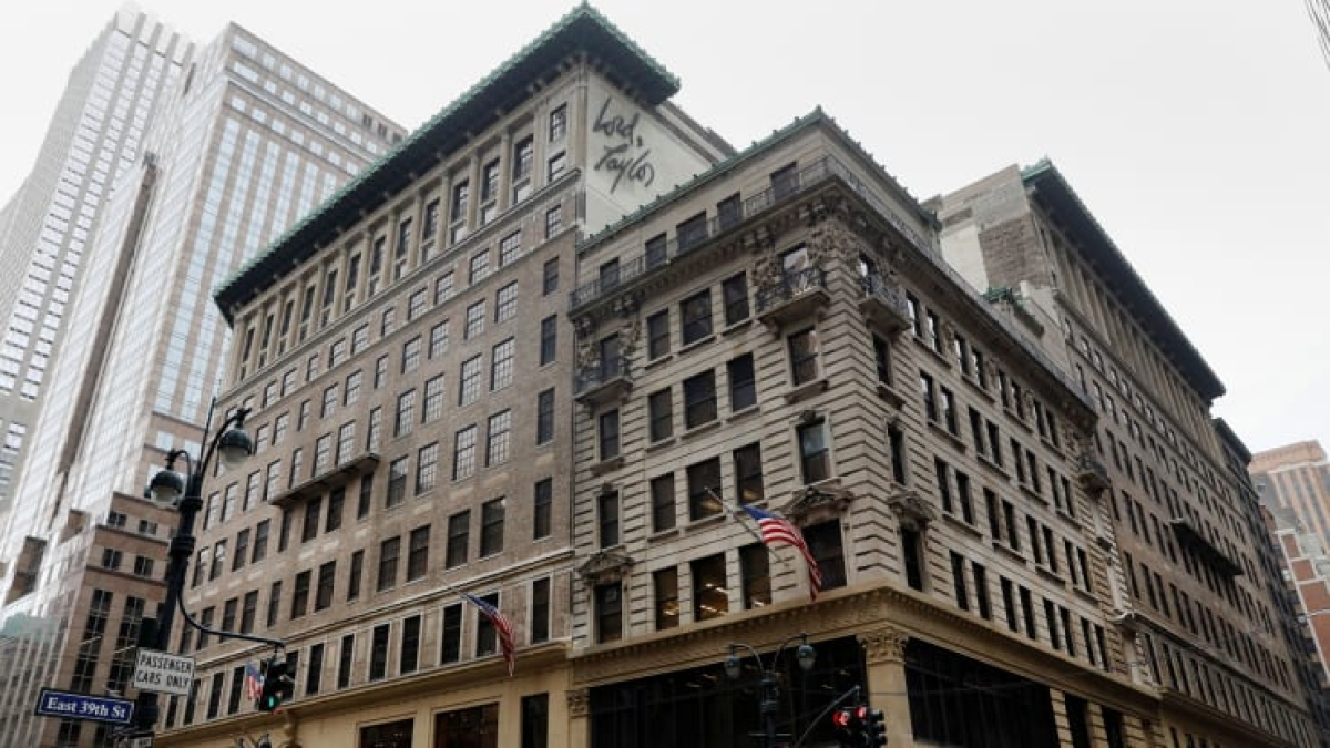 Lord & Taylor gave up on its iconic Fifth Avenue location in 2018